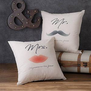 ウェディングクッションカバー  Mr&Mrs